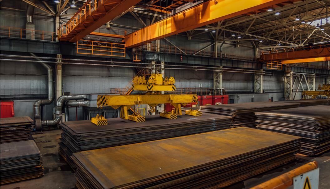 processi-operativi-ottimali-e-altamente-flessibili-per-i-sistemi-di-sollevamento-delle-acciaierie
